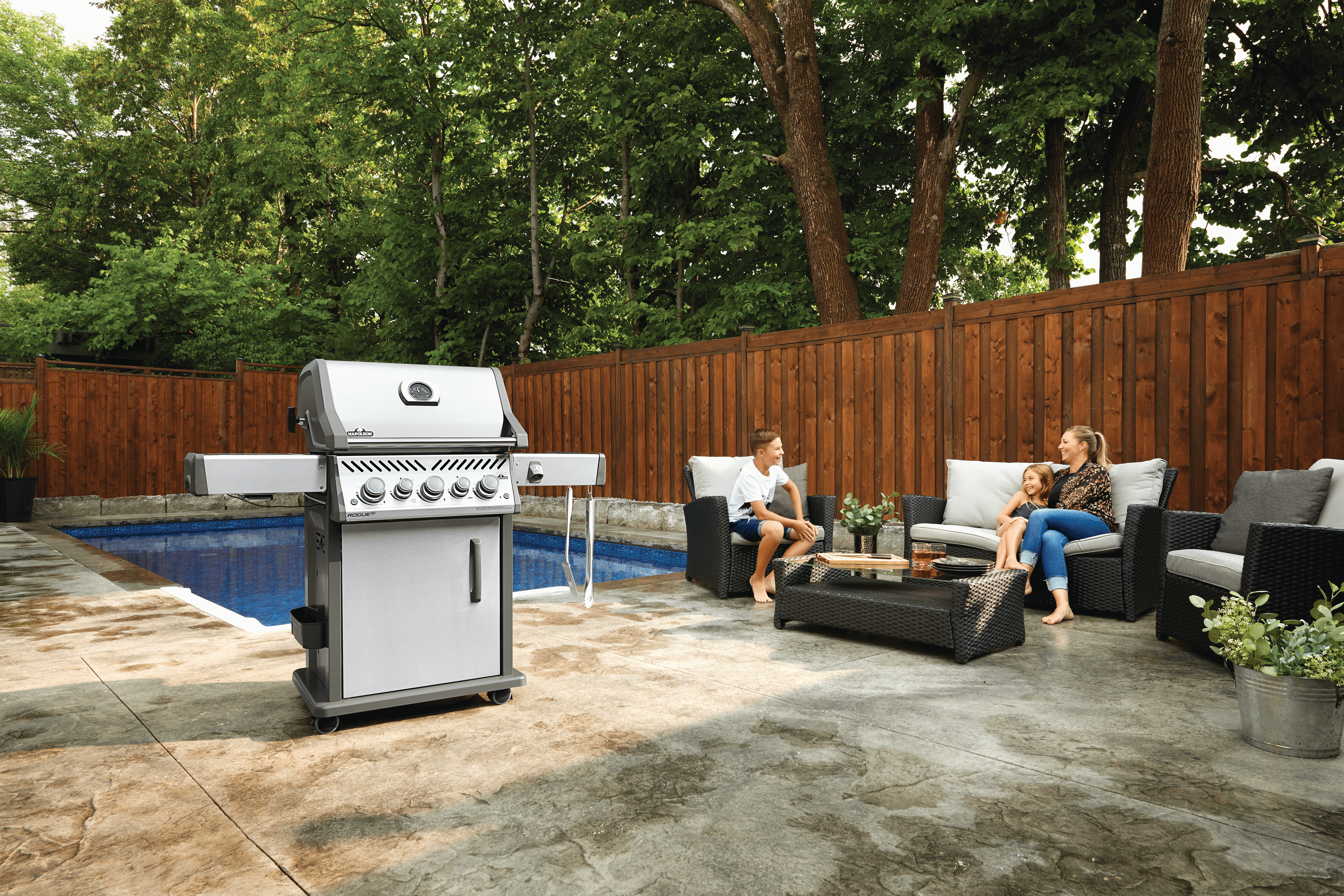 Rogue® SE 425 Propane Gas Grill with Infrared Rear and Side Burners, Stainless Steel
