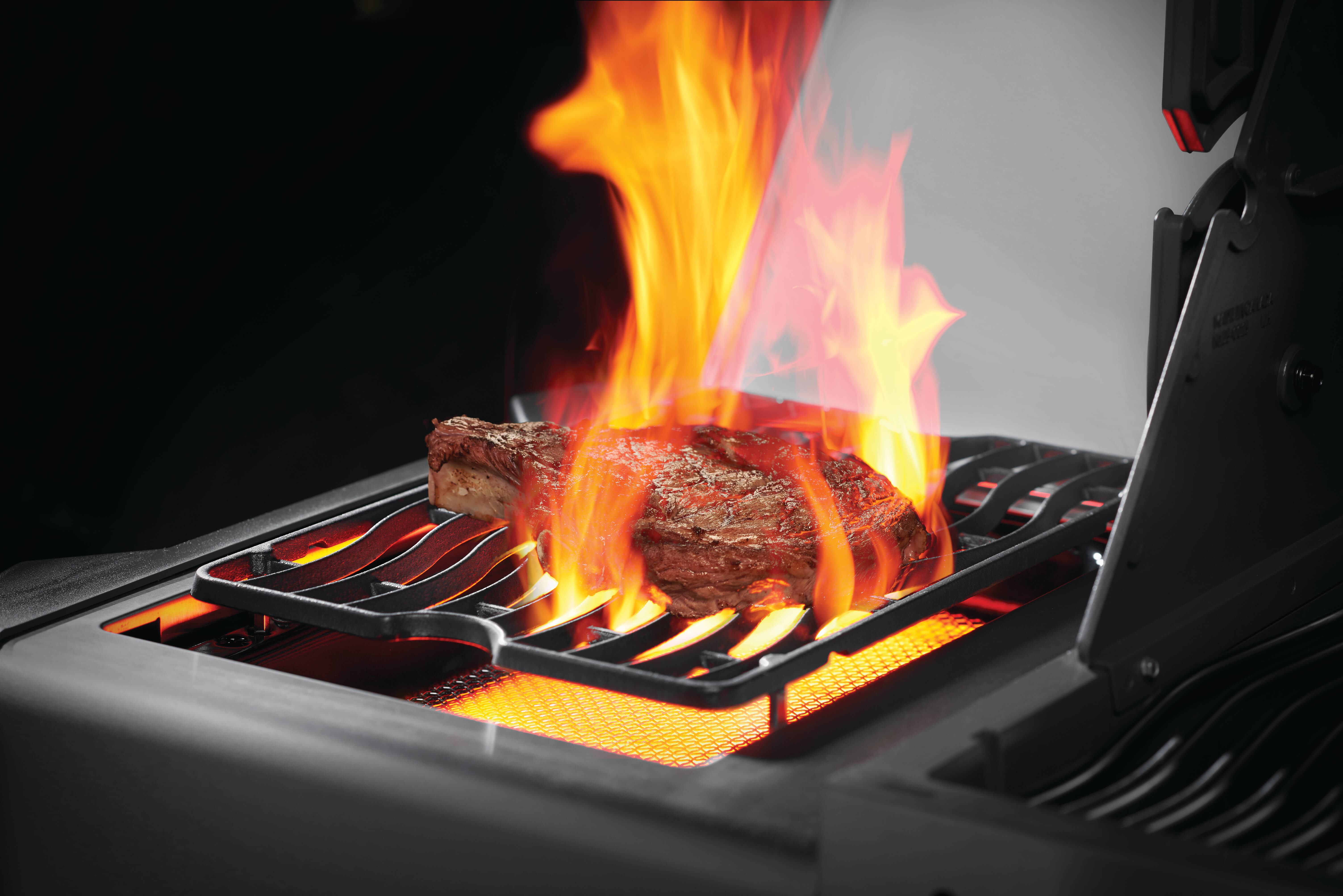 Prestige® 500 Natural Gas Grill with Infrared Side and Rear Burners, Black