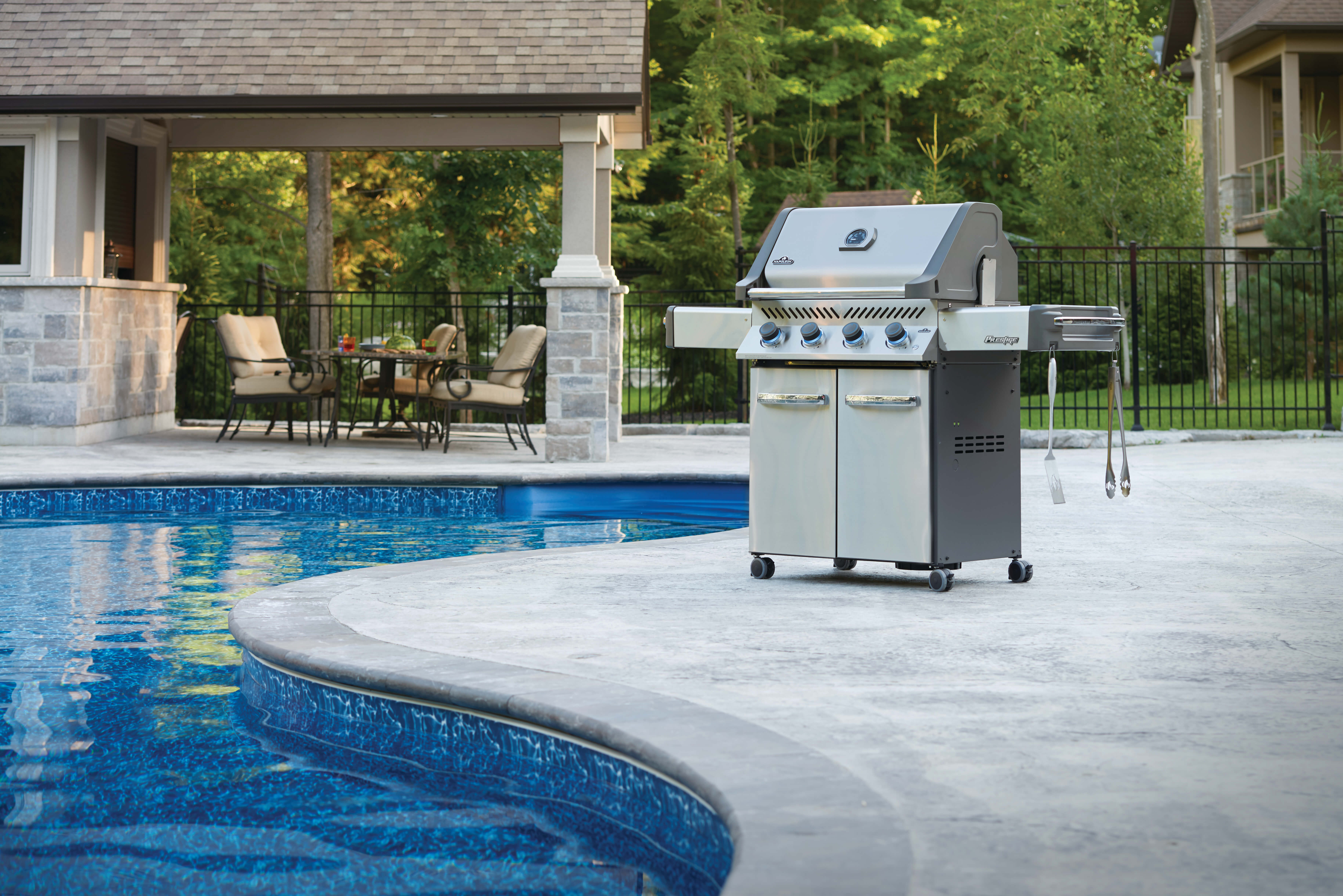 Prestige® 500 Propane Gas Grill, Stainless Steel